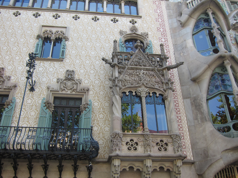 There are facades by other designers, who I didn't get the name of, that are equally as ornate and craft-intensive.